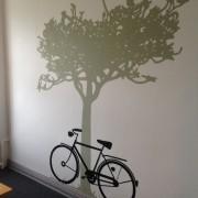 Samtalerum Jobcenter udført af designstuderende - cykel v. træ