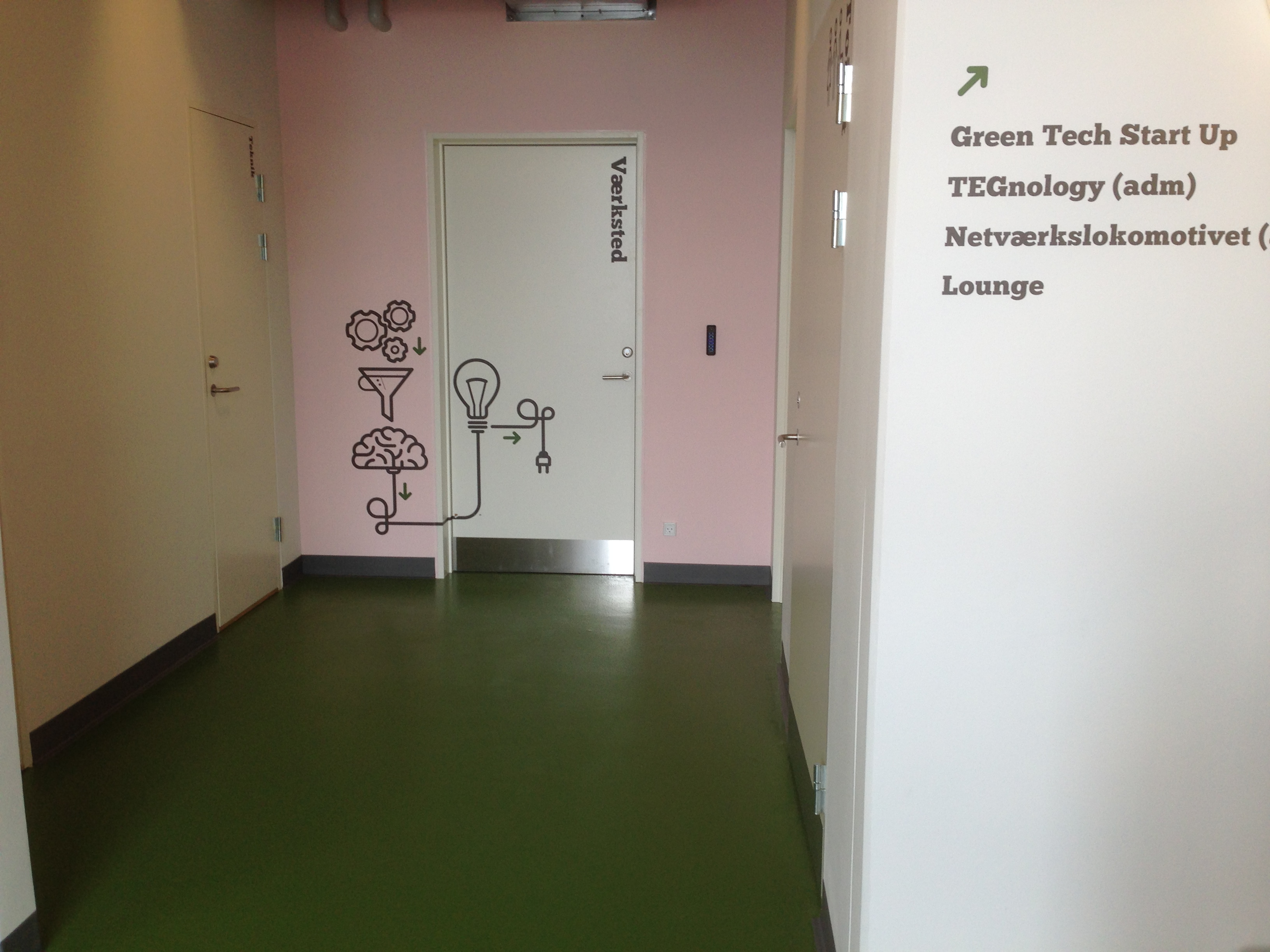 Green tech lab   bettina therese indretning   rumindretning, der ...