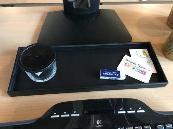 Bakke foran tastatur - Easyfood design skrivebord
