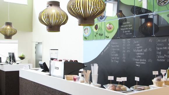Café fra højre med lamper 1