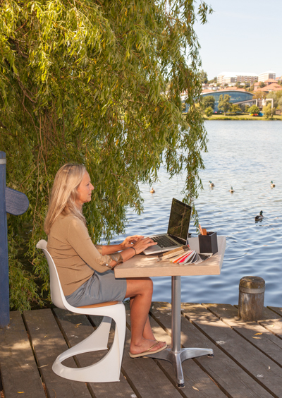 Mit kontor ved søen - Bettina Therese